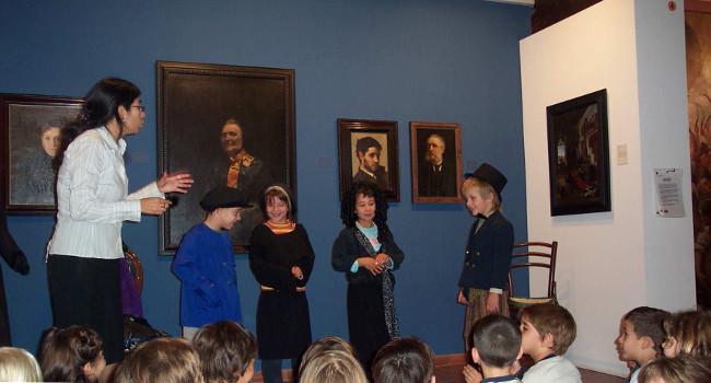 Taller familiar per conèixer diferents retrats de l'exposició permanent del Museu d'Art de Sabadell