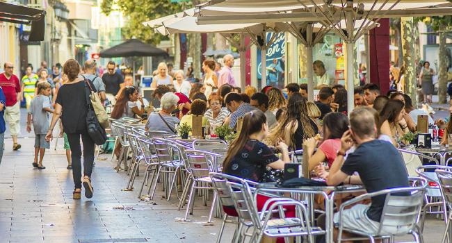 L'Ajuntament permetrà ampliar les terrasses de bars i restaurants quan sigui possible i quan no ho sigui bonificarà les taxes