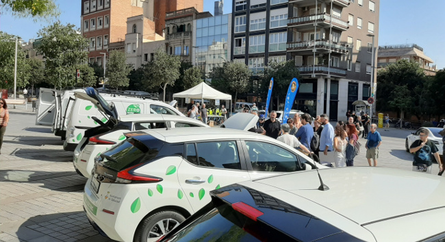 L'Ajuntament estrena 24 vehicles elèctrics, que ajudaran a rejovenir la flota municipal i reduir les emissions de diòxid de carboni