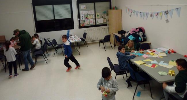 Programa d'activitats per a infants i joves al Poblenou, per fomentar el lleure educatiu i la xarxa comunitària al barri